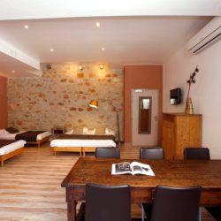 HOTEL: Gorge Getaway (Greensmith)